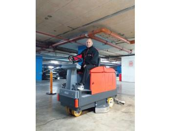 cleaning of trade centers, administrative and industrial buildings, offices